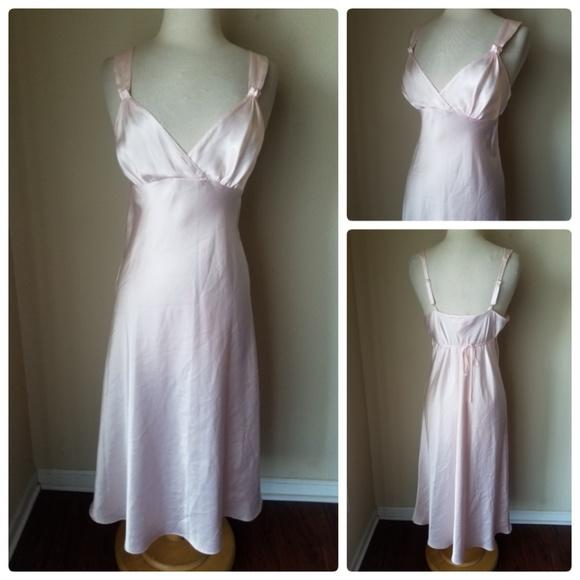 c072e27e5b Oscar De La Renta Pink Label Satin Nightgown Sleep.  M 5bd9f697c61777936c1aacba